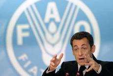 <p>O presidente francês, Nicolas Sarkozy, falando na cúpula da FAO, em Roma, 3 de junho de 2008  REUTERS. Photo by Pool</p>