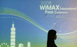 <p>Un pannello WiMax durante una conferenza stampa a Taipei, il 21 aprile 2008. REUTERS/Pichi Chuang (Taiwan)</p>