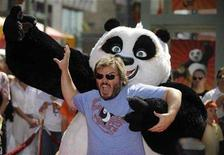 "<p>Cast member Jack Black attends the premiere of ""Kung Fu Panda"" in Los Angeles June 1, 2008. REUTERS/Phil McCarten</p>"