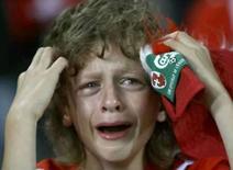 <p>Co-anfitriã Suíça é eliminada após derrota para Turquia. A seleção turca venceu a co-anfitriã Suíça por 2 x 1 na quarta-feira, pelo Grupo A da Eurocopa, um resultado que eliminou os suíços e assegurou a classificação de Portugal para a próxima fase. 11 de junho. Photo by Stefan Wermuth</p>