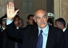 <p>Actor Sean Connery waves at the end of a ceremony during which he received the Il Campidoglio award at Rome's Capitol Hill October 14, 2006. Connery is set to shake and stir this year's Edinburgh Book Festival by unveiling an autobiography on his 78th birthday. REUTERS/Dario Pignatelli</p>