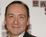 <p>Kevin Spacey poses at The South Bank Show Awards at Dorchester Hotel in London January 29, 2008. REUTERS/Anthony Harvey</p>