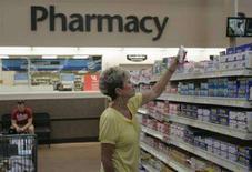 <p>Reparto medicinali del Wal-Mart Supercenter di Rogers, Arkansas (foto d'archivio) REUTERS/Jessica Rinaldi (Usa)</p>