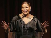 <p>Queen Latifah speaks on stage at the 16th annual Women in Entertainment breakfast in Beverly Hills, California, December 4, 2007. REUTERS/Mario Anzuoni</p>