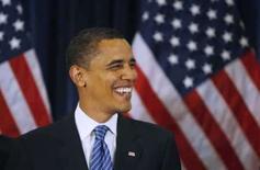 <p>Barack Obama pediu desculpas a duas muçulmanas que foram impedidas de se sentar atrás dele em um evento e, assim, aparecer na TV de véu. A foto é do dia 18 de junho de 2008. Photo by Jim Bourg</p>