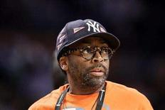 <p>Director Spike Lee watches the Los Angeles Lakers play the Boston Celtics in Game 3 of the NBA Finals basketball championship in Los Angeles, June 10, 2008. REUTERS/Jeff Haynes</p>
