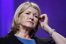 <p>Martha Stewart listens to former U.S. President Bill Clinton describe her pledge during the Clinton Global Initiative in New York September 27, 2007. Stewart has been denied entry to Britain because of her 2003 U.S. conviction for lying about a stock sale. REUTERS/Chip East</p>