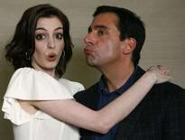 <p>Anne Hathaway e Steve Carell, protagonistas do filme 'Agente 86', que ficou no topo das bilheterias norte-americanas nos três primeiros dias de estréia. Foto de 20 de junho. Photo by Mario Anzuoni</p>
