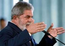 <p>Imagem de arquivo do presidente brasileiro, Luiz Inácio Lula da Silva, em Brasília. Lula comparou o atual momento ao vivido na segunda metade da década de 50, quando o país foi comandado por Juscelino Kubitschek, com a vantagem de a inflação ser menor que a daquela época. Photo by Stringer</p>