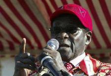 <p>Il presidente dello Zimbabwe Robert Mugabe. REUTERS/Philimon Bulawayo (ZIMBABWE)</p>