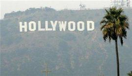 <p>The Hollywood sign is seen on a hazy afternoon in Los Angeles, California, November 4, 2007. REUTERS/Danny Moloshok</p>