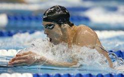 <p>Michael Phelps impegnato nei 200 metri misti. REUTERS/Jeff Haynes (UNITED STATES) (BEIJING OLYMPICS 2008 PREVIEW)</p>