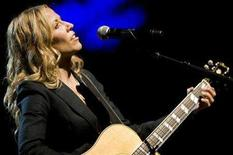 <p>Singer Sheryl Crow performs during the 42nd Montreux Jazz Festival in Montreux July 5, 2008. REUTERS/Valentin Flauraud</p>