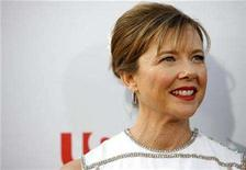 <p>Actress Annette Bening, wife of actor Warren Beatty, smiles as she arrives for the taping of the American Film Institute's 36th Life Achievement Award gala honoring Beatty at the Kodak theatre in Hollywood, California June 12, 2008. REUTERS/Mario Anzuoni</p>