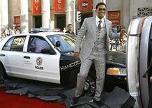 <p>El actor estadounidense Will Smith posan durante el estreno del filme 'Hancock', en Hollywood, 30 jun 2008. Bienvenidos a la temporada de cine de superhéroes. La atracción internacional por Will Smith (en la foto) y el gusto del mercado mundial por los héroes de acción causaron un gran debut para 'Hancock', con una recaudación acumulada de 78,6 millones de dólares en 55 territorios durante el fin de semana, según datos finales divulgados el lunes. Photo by (C) MARIO ANZUONI / REUTERS/Reuters</p>