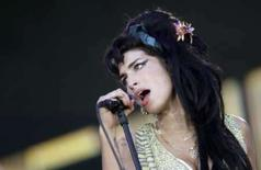 <p>Amy Winehouse trava 'batalha de DJs' em pub londrino. A cantora britânica Amy Winehouse participou de uma 'batalha de DJs' na noite de quinta-feira em um pub próximo de sua casa, e, embora o evento tenha sido presenciado por diversos fãs, o consenso foi que ela saiu derrotada. Foto do Arquivo. Photo by Juan Medina</p>