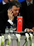 <p>Президент Турции на саммите глав государств Центральной Европы в Македонии, 2 мая 2008 года. Приезд президента Турции Абдуллы Гюля на футбольный матч национальной сборной в Армению будет зависеть от развития отношений между двумя странами, сообщил министр иностранных дел страны Али Бабаджан. (REUTERS/Ognen Teofilovski)</p>