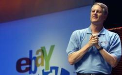 <p>John Donahoe, patron d'eBay. Le géant américain des enchères sur internet a fait état mercredi d'une hausse de 22% de son bénéfice trimestriel, dépassant les attentes, mais ses prévisions ont déçu les marchés, pesant sur son titre en après-Bourse. /Photo prise le 20 juin 2008/REUTERS/Frank Polich</p>