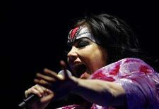 <p>Icelandic singer Bjork performs during her concert the Volta Tour in Tokyo February 22, 2008. REUTERS/Kim Kyung-Hoon</p>