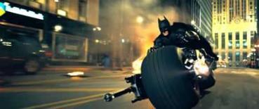 <p>Novo 'Batman' quebra recorde na pré-estréia. O novo filme de Batman, 'O Cavaleiro das Trevas', arrecadou o valor recorde de 18,5 milhões de dólares nas sessões de pré-estréia à meia-noite, antes de sua abertura oficial na sexta-feira, revelou a Media By Numbers, que faz a contagem de bilheterias. Imagem do Filme. Photo by Reuters (Handout)</p>