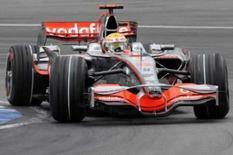 <p>Hamilton da McLaren Mercedes faz a curva no Gp da alemanha   REUTERS. Photo by Wolfgang Rattay</p>