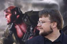 """<p>Il regista Guillermo del Toro durante la presentazione di """"Hellboy II"""" a Los Angeles, California, il 28 giugno 2008. REUTERS/Hector Mata (Usa)</p>"""