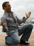 <p>Fotografía de archivo del actor belga Jean-Claude Van Damme durante una sesión de fotos en la playa de Cannes, Francia, 17 mayo 2008. Quentin Tarantino, Jean-Claude Van Damme y Gene Simmons participarán de la presentación 'Midnight Madness' de cine sangriento, una de las actividades del Festival Internacional de Cine de Toronto, según se informó el miércoles. El Festival de Toronto logró asegurar la participación de la comedia de acción 'JCVD', del director francés Mabrouk El Mechri, en la que Van Damme se interpreta a sí mismo en medio de un atraco a una oficina de correos. (en la foto) Photo by (C) CHRISTIAN HARTMANN / REUTERS/Reuters</p>