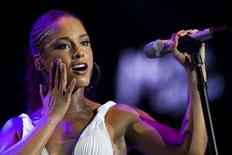 <p>Singer Alicia Keys performs at the 42nd Montreux Jazz Festival in Montreux July 17, 2008. REUTERS/Valentin Flauraud</p>