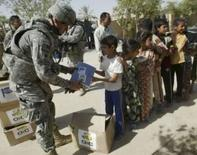 <p>Soldado norte-americano durante patrulha conjunta com forças iraquianas, noI Iraque. O número de soldados norte-americanos mortos em combate no Iraque caiu neste mês, fazendo do mês de julho o mês com menos baixas desde a invasão do Iraque, em 2003. Photo by Ibrahim Sultan</p>