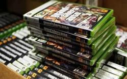 <p>Caixas do jogo 'Grand Theft Auto IV' vistas em Nova York, dia 28 de abril. Um distribuidor tailandês de videogames suspendeu as vendas de 'Grand Theft Auto' na segunda-feira depois que um adolescente confessou o assalto e homicídio de um motorista de táxi em uma tentativa de recriar uma cena do jogo. Photo by Lucas Jackson</p>