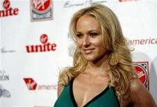 "<p>Singer Jewel poses at the Virgin Unite's ""Rock The Kasbah"" benefit reception in Hollywood, California July 2, 2007. REUTERS/Mario Anzuoni</p>"