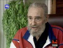 <p>Il leader cubano Fidel Castro come è apparso in uno degli ultimi filmati tv. REUTERS/via REUTERS TV</p>