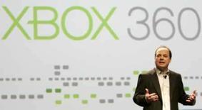 <p>O executivo da Microsoft para o XBox Live, John Schapper, dá discurso na Conferência de Desenvolvedores de Games em San Francisco, Califórnia, em 20 de feveiro. O consolet superou o PlayStation 3 da Sony em vendas semanais no Japão pela primeira vez há duas semanas, ajudado pelo lançamento de um recente título de Xbox 360 produzido pela Namco Bandai. . Photo by Robert Galbraith</p>