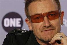 <p>U2 lead singer Bono attends a news conference to present the 2008 DATA (Debt, AIDS, Trade, Africa) Report in Paris June 18, 2008. REUTERS/Benoit Tessier</p>