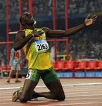 """<p>Il giamaicano Usain Bolt esulta dopo aver battuto il record del mondo ai 200 metri piani maschile, con 19""""30, e aver conquisto l'oro olimpico, il 20 agosto 2008 a Pechino. REUTERS/Wolfgang Rattay (Cina)</p>"""