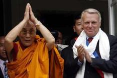 <p>O Dalai Lama durante sua visita à França, onde acusou a China de abrir fogo contra tibetanos no leste do Tibete. Photo by Stephane Mahe</p>