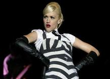 <p>Gwen Stefani performs during a show at Simon Bolivar park in Bogota July 21, 2007. REUTERS/Carlos Duran</p>
