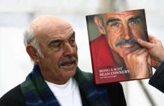 <p>Sean Connery lança biografia e diz que ainda tem muito a fazer. O ator ícone Sean Connery pode ter parado de fazer filmes, mas acha que alguma coisa nova ainda está à sua espera dele. 25 de agosto. Photo by David Moir</p>