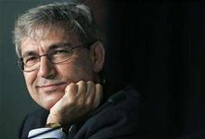 <p>Orhan Pamuk attends a news conference at the 60th Cannes Film Festival May 16, 2007. REUTERS/Jean-Paul Pelissier</p>
