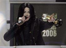 <p>U.S. pop star Michael Jackson receives the Diamond Award during the World Music Awards at Earl's Court in London in this November 15, 2006 file photo. Jackson turns 50 on August 29, 2008. REUTERS/Kieran Doherty</p>