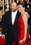 <p>La estrella de 'The Sopranos' James Gandolfini se casó el sábado con su novia en Hawái, informó la revista People. El actor de 46 años contrajo nupcias con Deborah Lin, de 40, en una ceremonia religiosa de 20 minutos en Honolulu, pueblo natal de la novia, informó People, atribuyendo su reporte a un invitado no identificado. Photo by (C) MIKE BLAKE / REUTERS/Reuters</p>