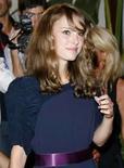 <p>La actriz estadounidense Natalie Portman asiste a una fiesta en el festival de cine de Venecia, 31 ago 2008. Cúlpese a la huelga de guionistas de Hollywood, a la debilidad económica, o simplemente a la mala suerte. Sea cual sea la razón, el Festival de Cine de Venecia 2008 ha sido calificado como uno de los más flojos de los últimos años, y, dado que el lunes llega a la mitad, necesita más éxitos de pantalla para animar la competencia oficial. Photo by Denis Balibouse/Reuters</p>