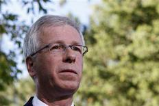 <p>Liberal leader Stephane Dion speaks to journalists after meeting with Canada's Prime Minister Stephen Harper at 24 Sussex Drive, Harper's official residence, in Ottawa September 1, 2008. REUTERS/Chris Wattie</p>