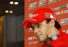 <p>Massa espera que Raikkonen retribua favor e o ajude a vencer. Felipe Massa espera que o companheiro de equipe Kimi Raikkonen lhe retribua um favor e o ajude a ser campeão da Fórmula 1, caso ele continue a ser o piloto líder da Ferrari nas últimas etapas da temporada. 4 de setembro. Photo by Thierry Roge</p>
