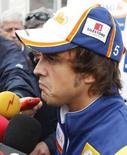 <p>Alonso diz que vai decidir logo se muda de equipe. Fernando Alonso, bicampeão da Fórmula 1, disse na quinta-feira que vai decidir seu futuro em breve, mas negou reportagens que diziam que ele faria um anúncio na semana que vem. 4 de setembro. Photo by Francois Lenoir</p>