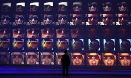 <p>Esposizione di televisori, in un'immagine d'archivio. REUTERS/Fabrizio Bensch (Germania)</p>