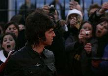 <p>Noel Gallagher of Oasis arrives at the Brit Awards at the Earls Court Arena in London February 14, 2007. REUTERS/Luke MacGregor</p>