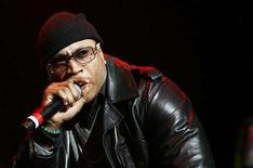 <p>Rapper L.L. Cool J performs during the J.A.M Awards concert to benefit the late hip hop icon Jam Master Jay's Foundation for Music in New York November 29, 2007. REUTERS/Lucas Jackson</p>