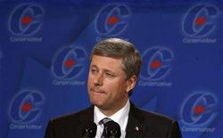 <p>Conservative leader and Canada's Prime Minister Stephen Harper listens to a question during a news conference in Halifax, Nova Scotia September 12, 2008. REUTERS/Chris Wattie</p>