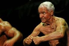 <p>Il bodybuilder Ray Moon, che compie 80 anni quest'anno REUTERS/Mick Tsikas</p>